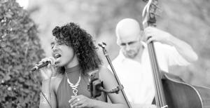 Groupe de jazz avec chanteuse